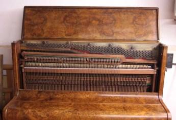 17. Pianoforte Reogh 1890, dopo il restauro particolare meccanica interna