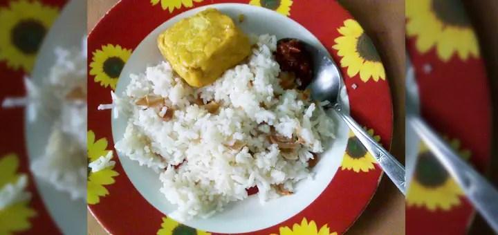 Makan Nasi Tempe