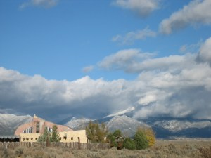 clouds-house-mountains