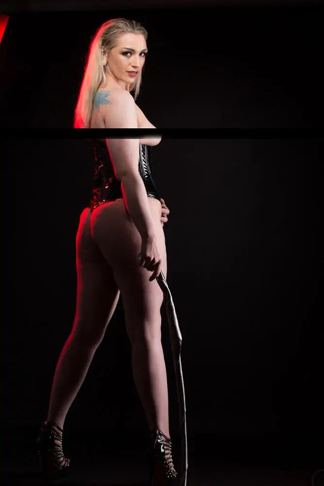 Seattle dominatrix and Seattle Mistress Ruby Enraylls, is the alpha femdom and fetish goddess in her seattle dungeon. When she wears her spiked louboutin heels, stockings and a slick dress no one can resist her seductive charms.