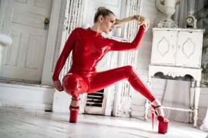 Seattle dominatrix Ruby enraylls is your femdom goddess and seattle bdsm queen