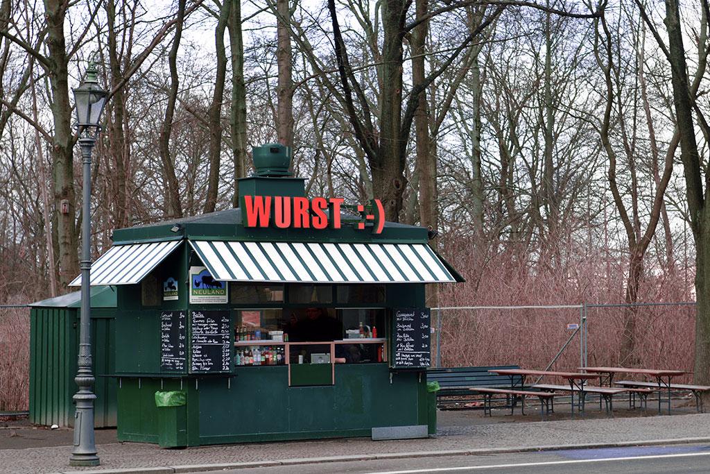 Köp en wurst i Berlin
