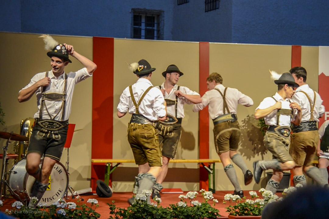 When in Rome - dans på byfestival i Österrike