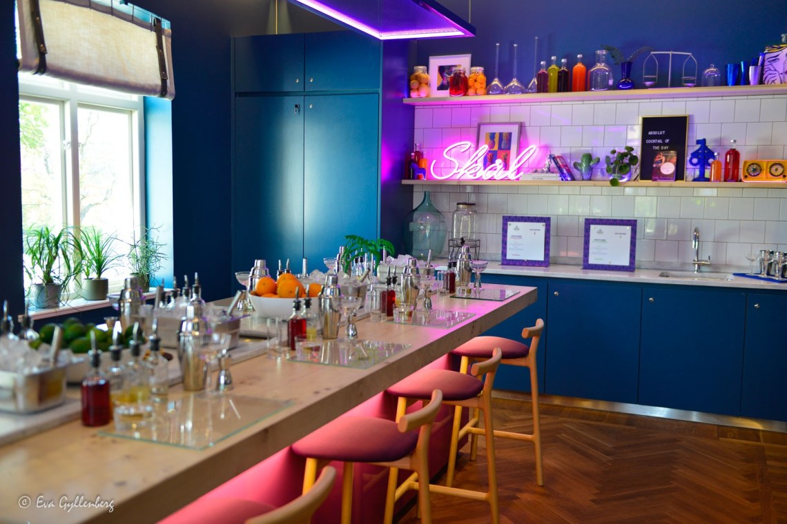 Mix your own drink at Absolut Home