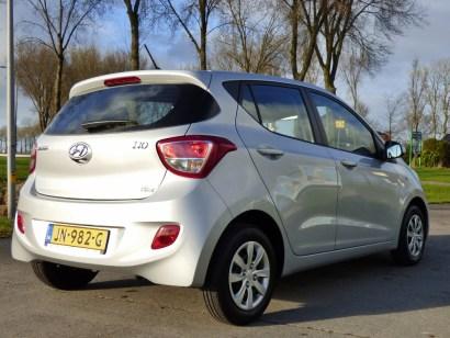 Hyundai i10 1.0 comfort - achterkant