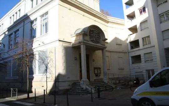 Enfants à la rue : une nouvelle école occupée à Lyon