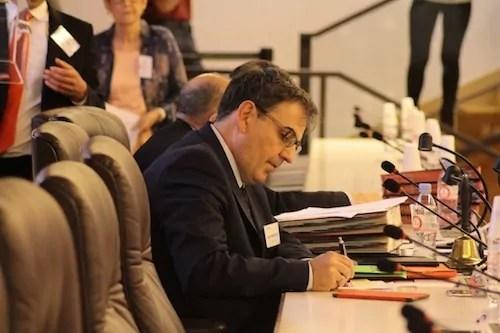 L'exécutif de Gérard Collomb au Grand Lyon énerve à droite… comme à gauche