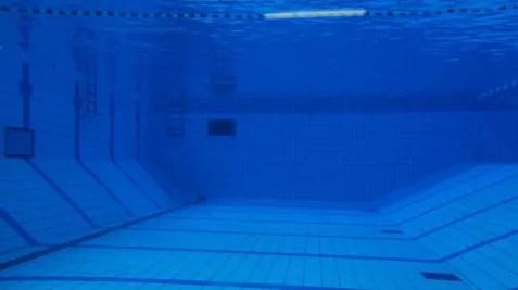 Ce jour là, peu de baigneurs à la piscine de Vaise.
