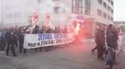 Une soixantaine de supporters de Grenoble fermaient le cortège. ©LB/Rue89Lyon