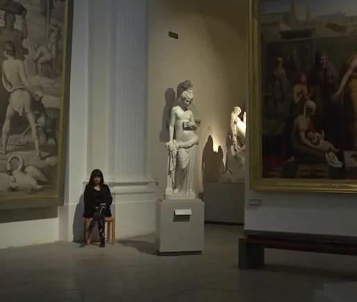 Capture d'écran de la gardienne du Musée des Beaux-Arts de Lyon