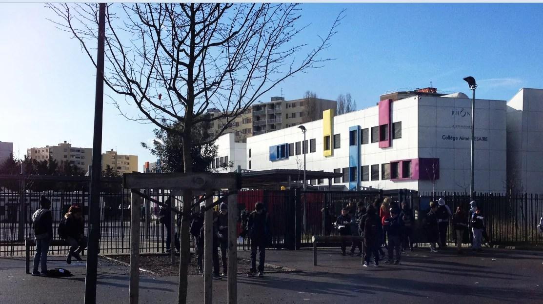 Devanture Collège Aimé Césaire - Vaux-en-Velin (Axel Poulain)