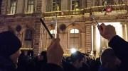 Rassemblement massif place des Terreaux, à Lyon, suite à l'assassinat de journalistes à Charlie Hebdo, mercredi 7 janvier. Crédit : LB/Rue89Lyon.