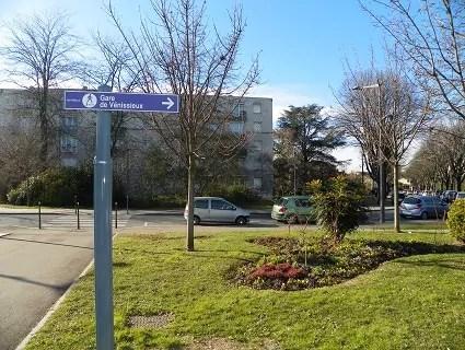 Boulevard Ambroise Croizat (Venissieux). Crédits Axel Poulain/Rue89Lyon