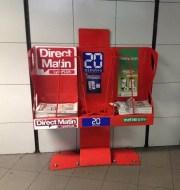 Présentoirs à journaux (20Minutes, Metronews & Direct Matin), station de métro Saxe-Gambetta / Crédits Axel Poulain/Rue89Lyon