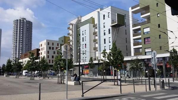 Le nouveau centre de la Duchère, sur le Plateau. ©LB/Rue89Lyon