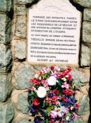 Plaque commémorative de la commune de Valbonnais (Isère). ©DR