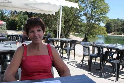 Claude Durrieu, chercheuse au Lehna, à la buvette la Baraka au Grand Parc - Crédit Eva Thiébaud