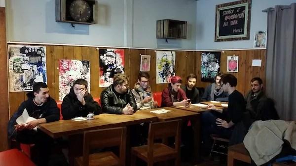 Conférence de presse des organisations de jeunesse à Lyon le 7 mars. De gauche à droite, les représentants de la CGA, de Solidaires, de l'UEC, de l'Unef, du NPA, du Parti de gauche, d'Ensemble, de la JC et du MJS ©LB/Rue89Lyon