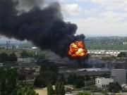 Incendie mardi 28 juin dans la Vallée de la chimie lyonnaise, à Saint-Fons, usine Bluestar.