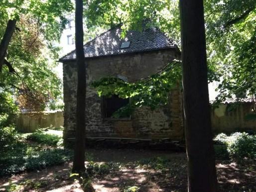 Chapelle du XVIIème siècle habitée à l'époque par le curé à la villa Monoyer dans le 3ème arr. de Ly
