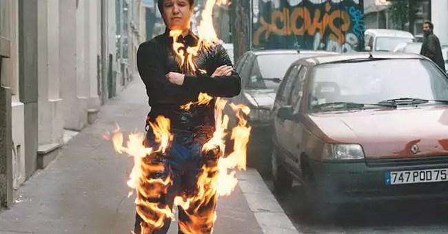 Retrait des poulets brûlés au MAC de Lyon ou l'aberrante autocensure d'Adel Abdessemed