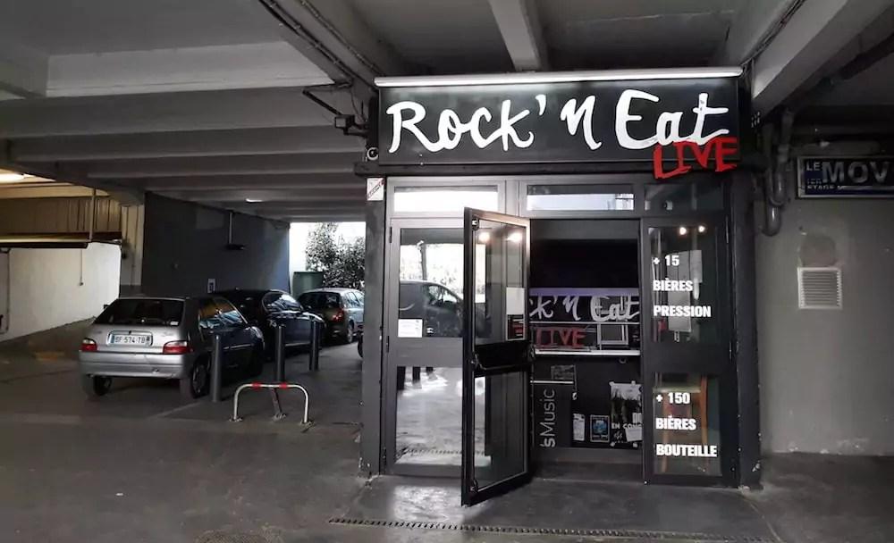 C'est devant le bar-concert Rock n'Eat, quai Arloing (Lyon 9e) que la violente bagarre a eu lieu. ©LB/Rue89Lyon