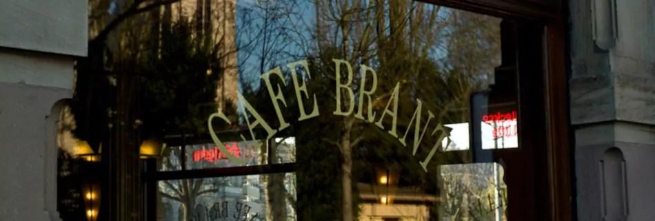 Menace sur le café Brant