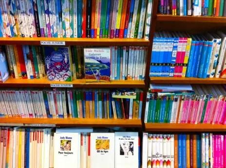 Le rayon livres pour enfants, très fourni (Photo MM)