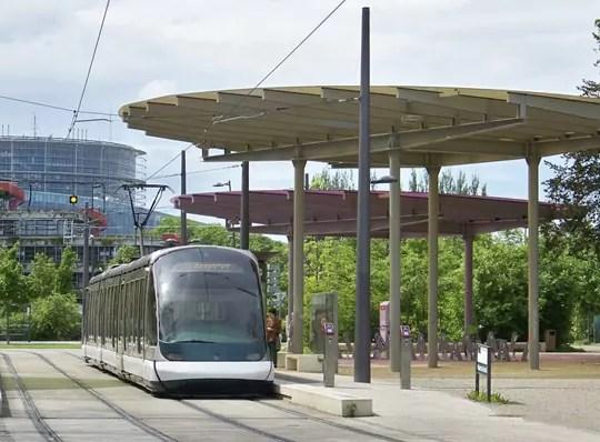 Feu vert pour le tram à la Robertsau