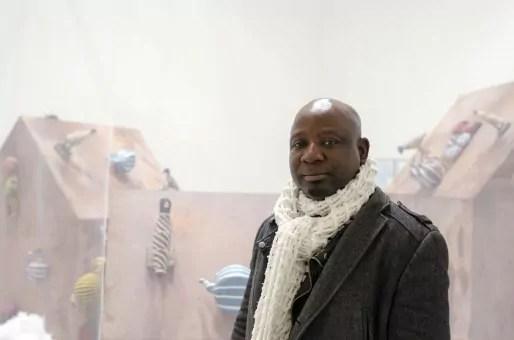 Barthélémy Toguo devant The House of Secrets, 16 janvier 2014. Photo: Antoine Lejolivet Haute École des Arts du Rhin