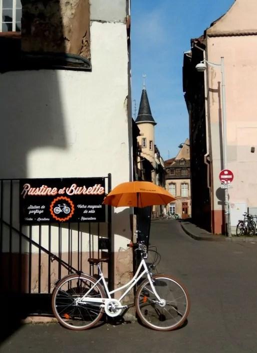 Rustine et Burette, rue des Soeurs au centre-ville de Strasbourg (Photo CF/Rue89 Strasbourg)