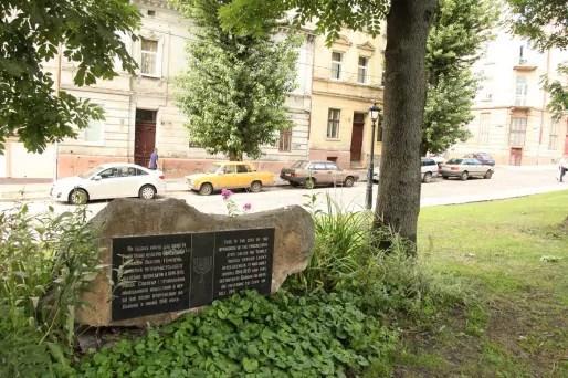 Sur les 40 synagogues de l'époque, seules deux sont encore debout. L'une d'entre elles sert de lieu de culte, l'autre de lieu de culture. (Photo Bulli Tour)