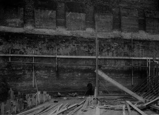 Vue de la courtine, en cours de restauration, place Sainte-Madeleine. © DRAC Alsace, CRMH, ICO482B183_002, Jules Manias, 1909