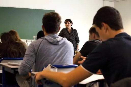Patricia Kleindienst est professeur de français de la première B. Elle a enseigné pendant quatorze ans en ZEP, au Neuhof.