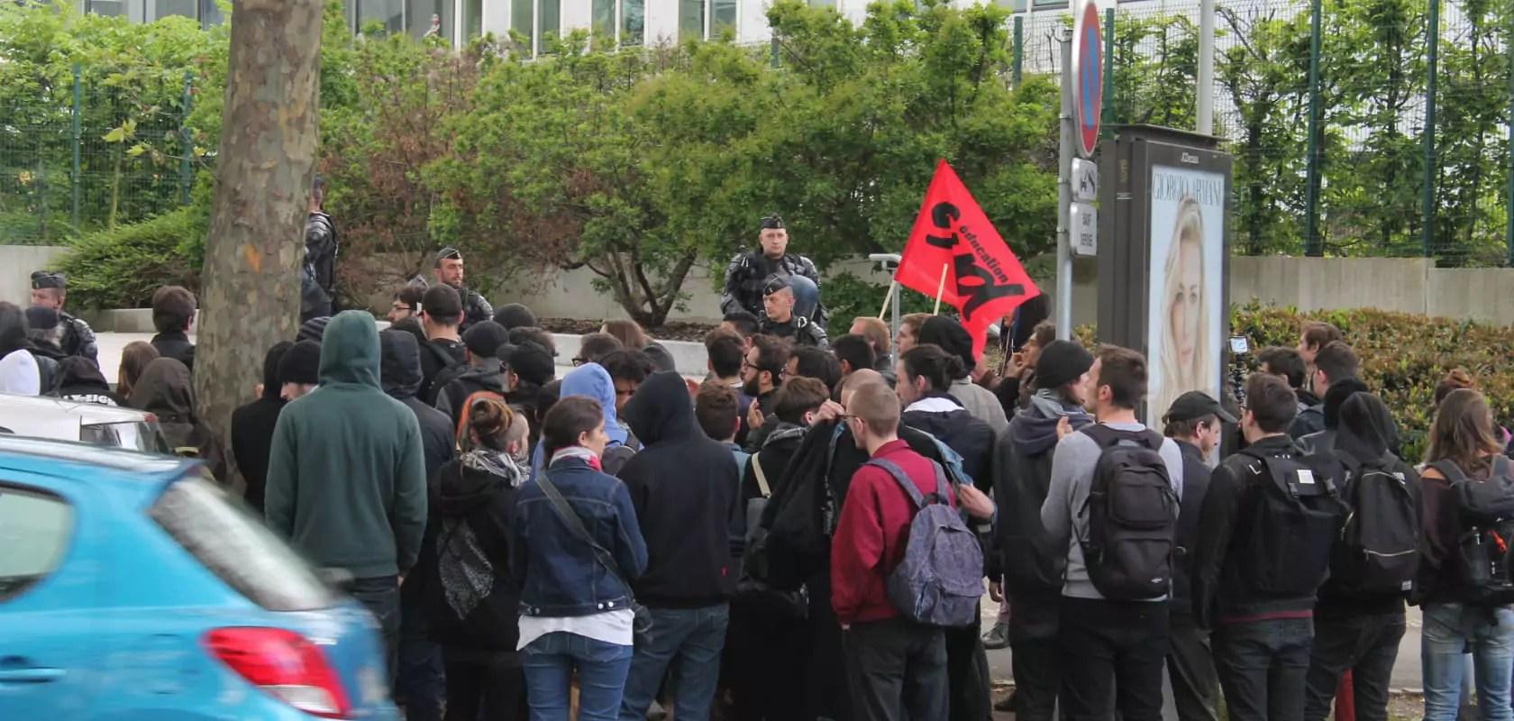 Deux interpellations en marge de la manifestation contre la loi travail