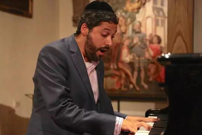Le chantre Yacov Weil (photo LL / Rue89 Strasbourg)