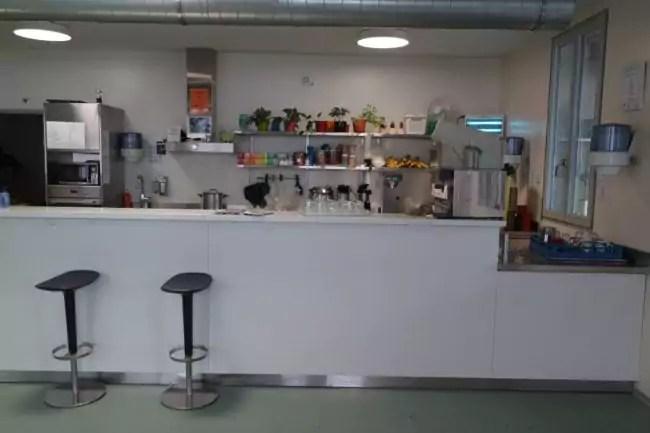La cafétéria offre des moments de convivialité aux usagers (Photo DL/Rue 89 Strasbourg/cc)
