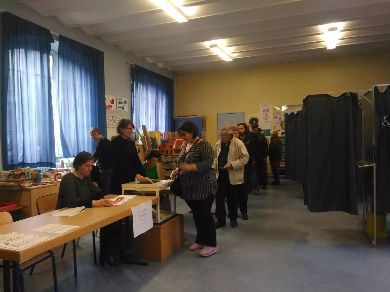 Deux bureaux de vote à strasbourg testent d autres modes de