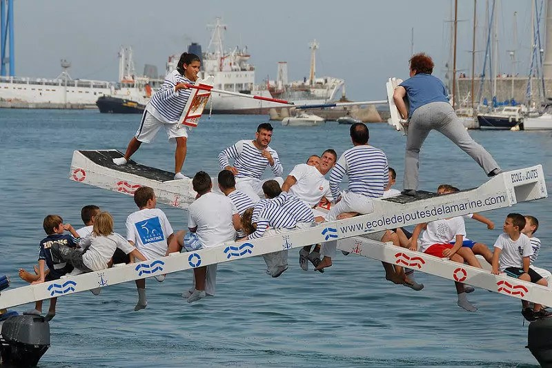 Des joutes nautiques auront lieu tout l'été dans le bassin de la Presqu'île Malraux
