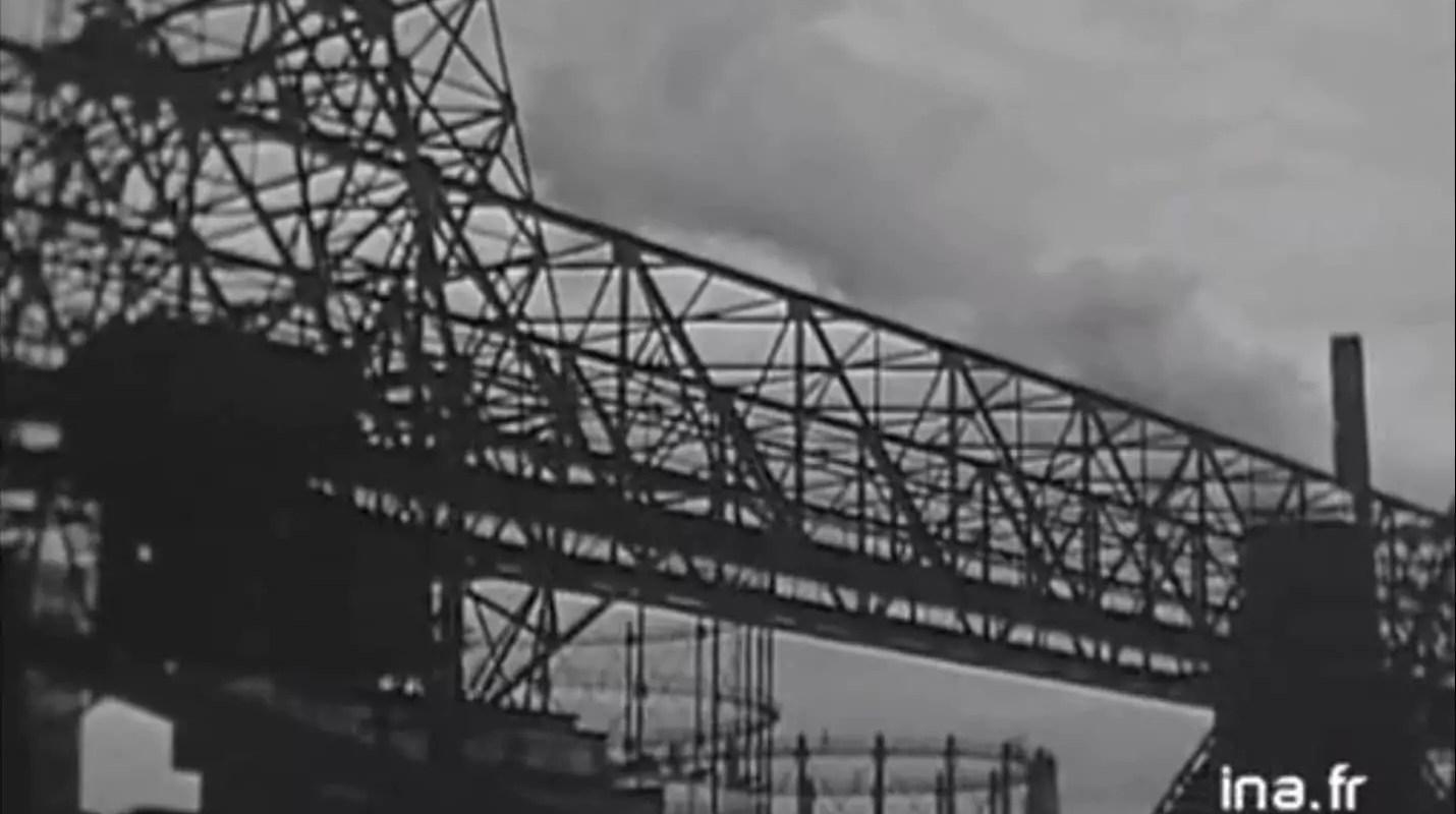 Quand des nuages de fumées se dégageaient du port du Rhin