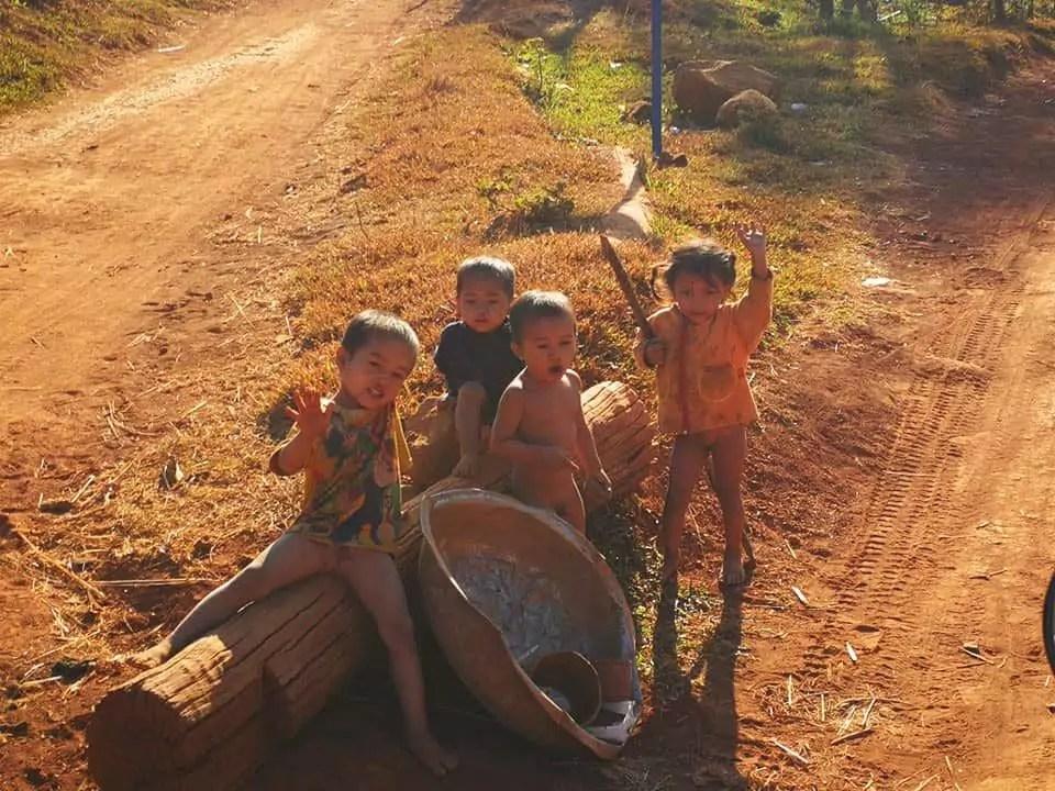 Immersion au Laos, pays parmi les plus pauvres de la planète