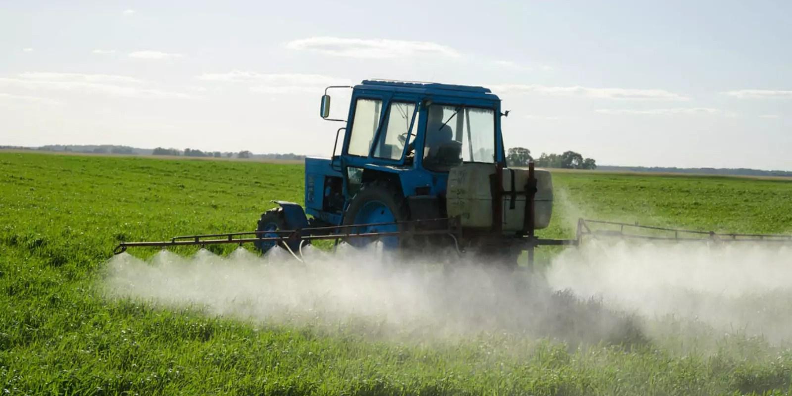 Selon une étude d'Alsace Nature, les fabricants de pesticides omettent des données de toxicité sur leur étiquetage européen