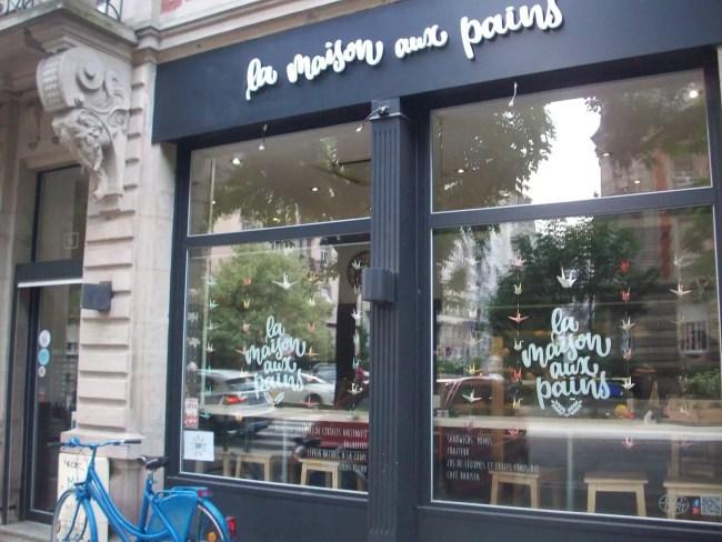 La boulangerie La Maison aux pains tente de multiplier les initiatives solidaires pour lutter notamment contre le gaspillage et l'exclusion des personnes dans le besoin (Photo DL/Rue 89 Strasbourg/cc)