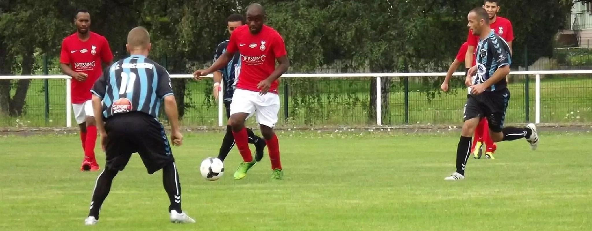 Racisme dans le foot amateur: la ligue sanctionne les agresseurs… et les victimes