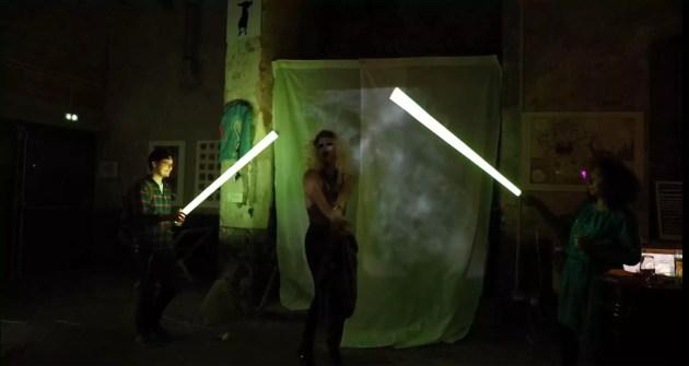 Vue de la deuxième performance de la série You make me feel, de Claire Guetta (photo association Le Tube)