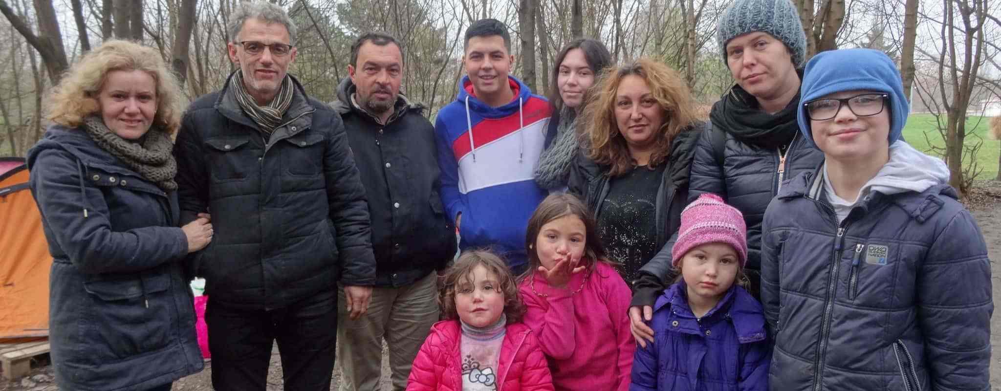 Migrants au parc de la Bergerie: des mises à l'abri ordonnées, d'autres laissés dehors