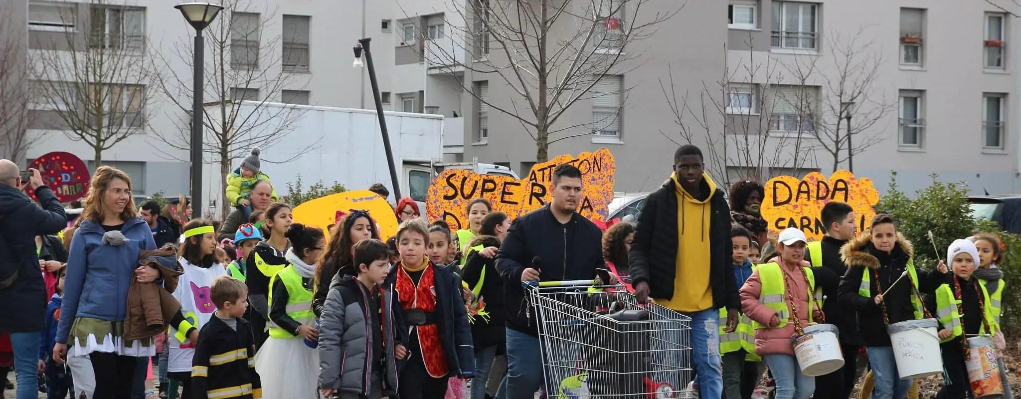 À Hautepierre, une tradition du carnaval de quartier résiste malgré l'époque