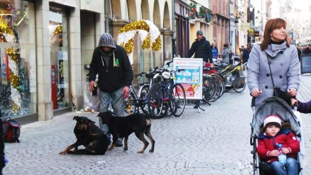 """La simple """"présence prolongée"""" est visée par l'arrêté anti-mendicité (Photo archives Rue89 Strasbourg)"""