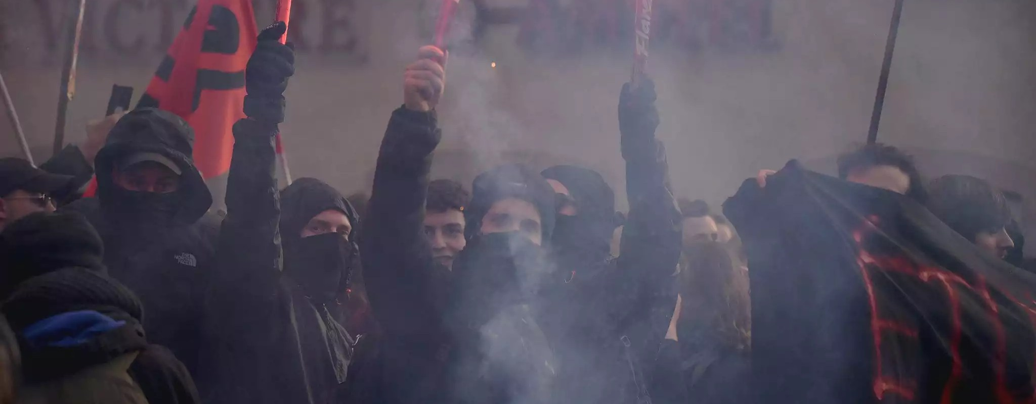 Black blocs, cortège féministe,  archéologues précaires… Les nouveaux visages des manifestations strasbourgeoises