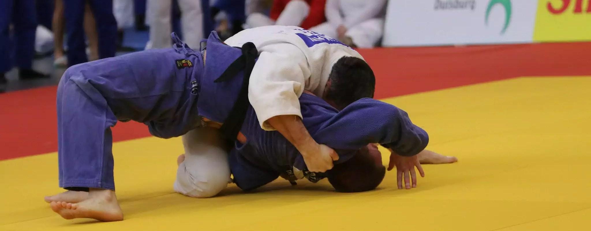 À Colmar, l'entraîneur de judo condamné a été reconduit puis décoré